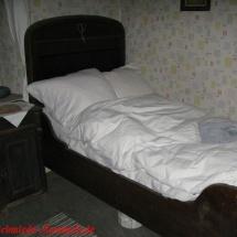 12 Bett