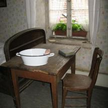 13 Tisch